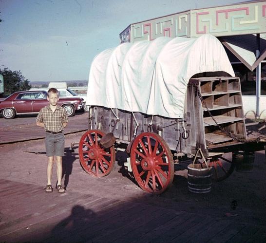 Fort_Courage_AZ_David_Chuck_Wagon_1969