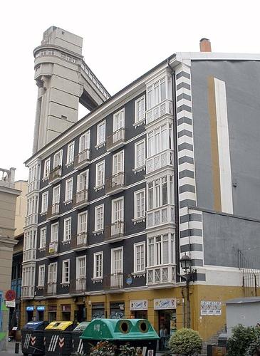 658px-Bilbao_-_Ascensor_de_Bego%C3%B1a_3