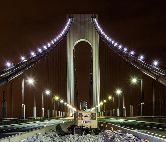 Verrazano-Narrows_Bridge_Crane_Installation_(15046611774)