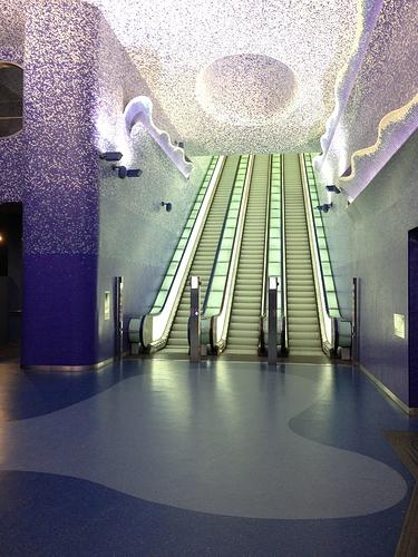 Stazione_Metropolitana_di_Toledo_(NAPOLI)