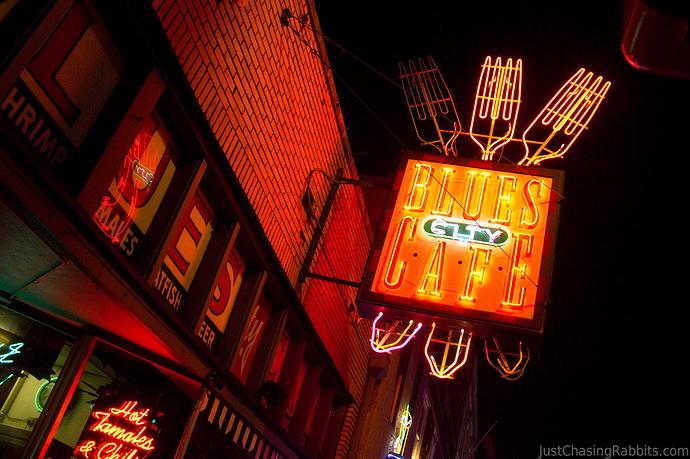 Beale-Street-Memphis-Blues-City-Cafe-Neon-Sign