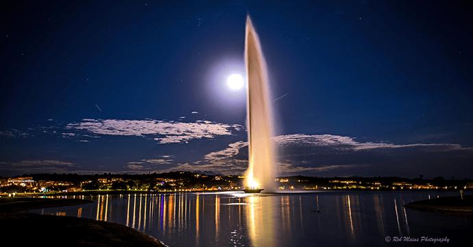 FH-Fountain-Moon