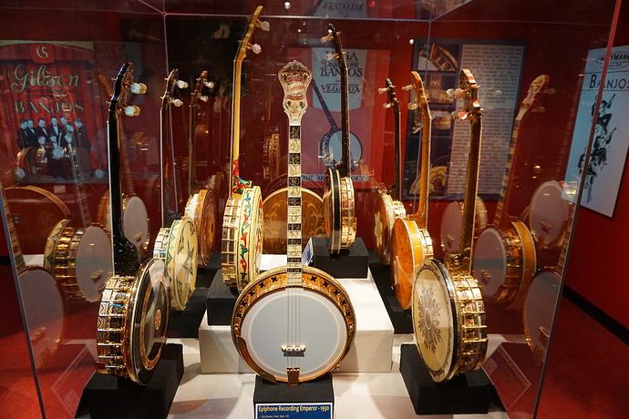 Bricktown_May_2016_43_(American_Banjo_Museum)