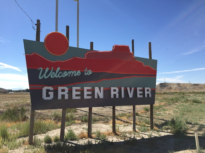 2017-07-28%20Welcome%20sign%20-%20Green%20River%20UT%2001