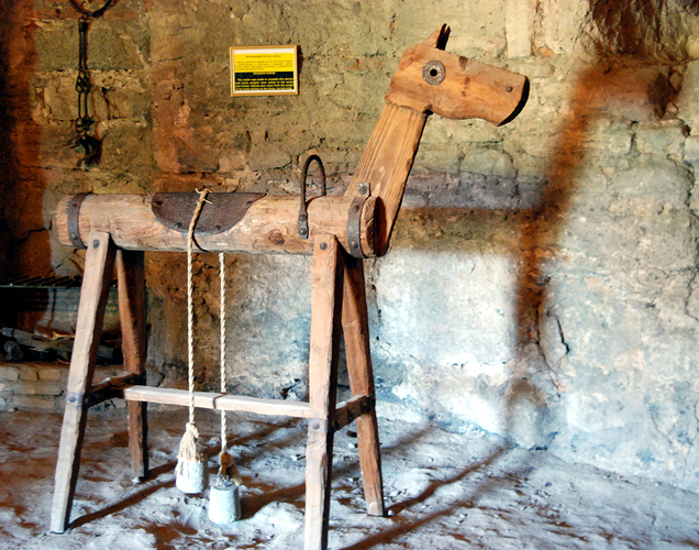 Moldova-Wide%20079-Bender-BenderyFortress-TortureMuseum