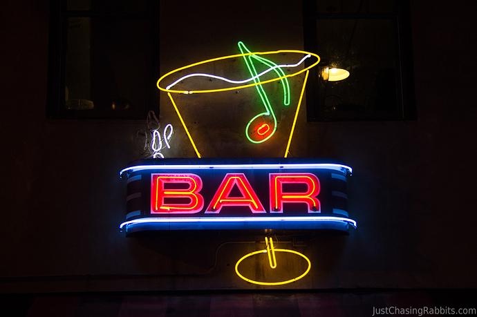 Beale-Street-Memphis-Bar-Neon-Sign