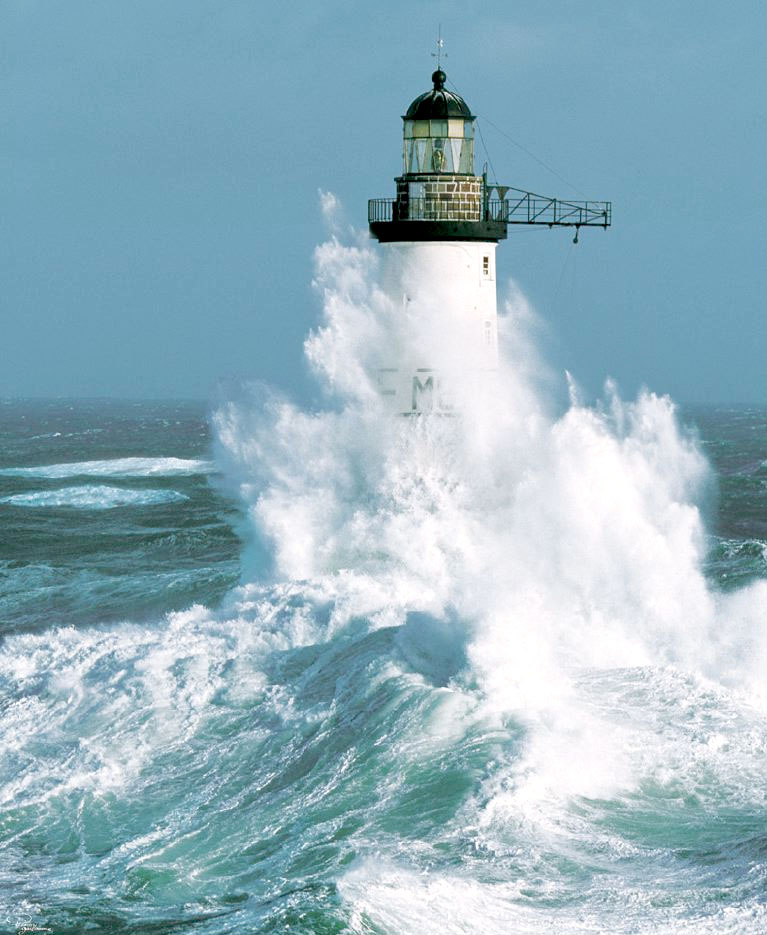 ar-men%20lighthouse