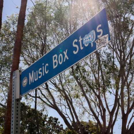 music-box-steps-03015115